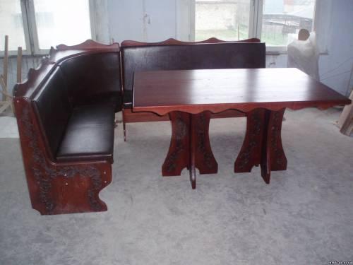 Кухоний куточок та стіл